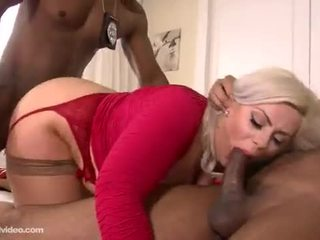 Klaudia kelly เซ็กส์ระหว่างคนต่างสีผิว dp