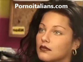 Itali wanita licking berbulu alat kemaluan wanita basah kontol craving
