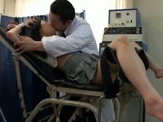 Κορίτσι του σχολείου misused με gynecologist 2