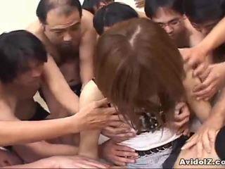Japonesa miúda touched por muitos men uncensored
